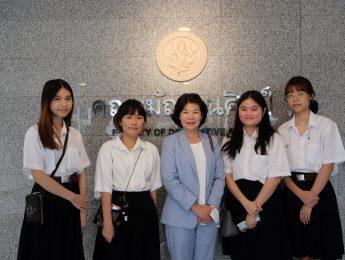 บริษัท บัวหลวง หินอ่อน จำกัด ได้มอบเงินทุนสนับสนุนให้กับนักศึกษาคณะมัณฑนศิลป์ มหาวิทยาลัยศิลปากร